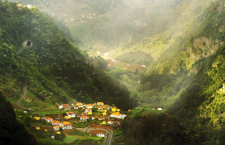 Mała wieś na wyspie Madera