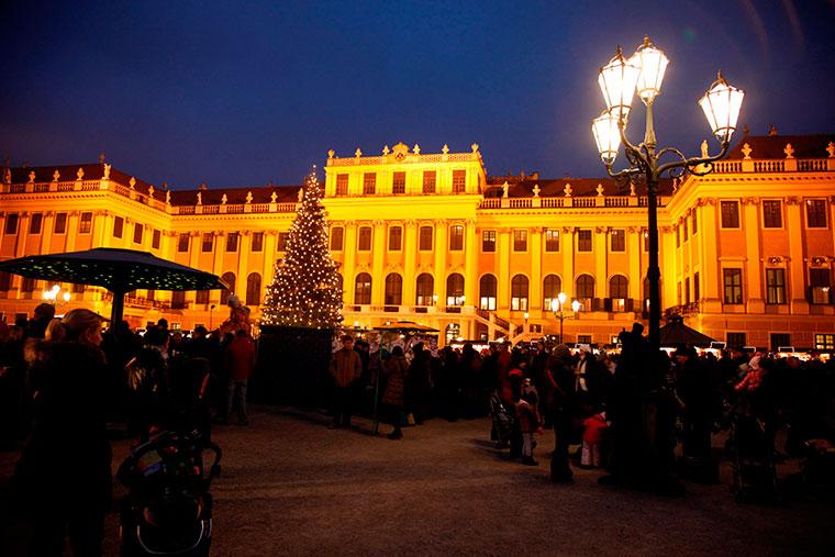 Weihnachts- und Kulturmarkt Schönbrunn