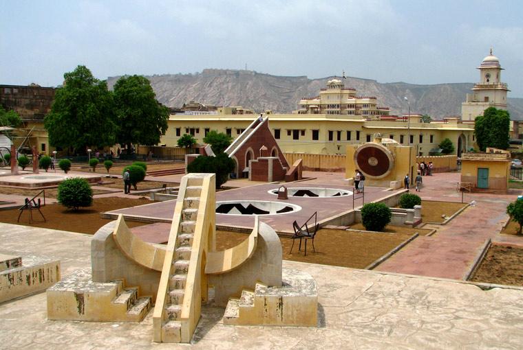 Obserwatorium astronomiczne Dżantar Mantar /Jantar Mantar/, Indie