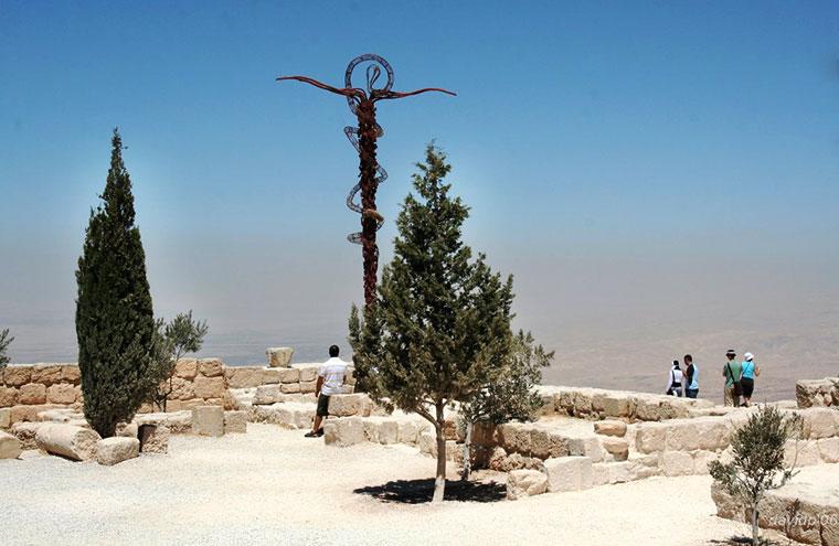 Góra Nebo, z której Mojżesz po raz pierwszy zobaczył Ziemię Obiecaną