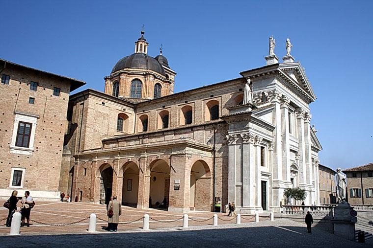 Urbino. Duomo, Włochy