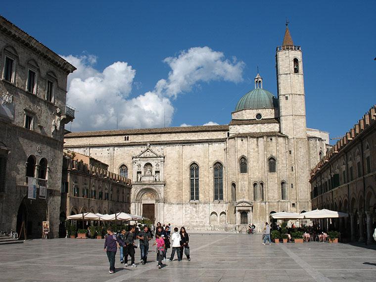 Ascoli Piceno - Plac Popolo, Włochy