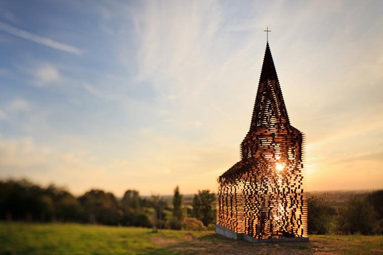 Czytać między wierszami - Niesamowity kościół w Belgii