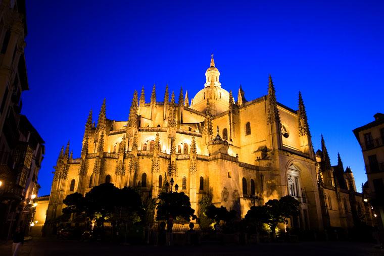 Katedra w Segovii w nocy, Hiszpania