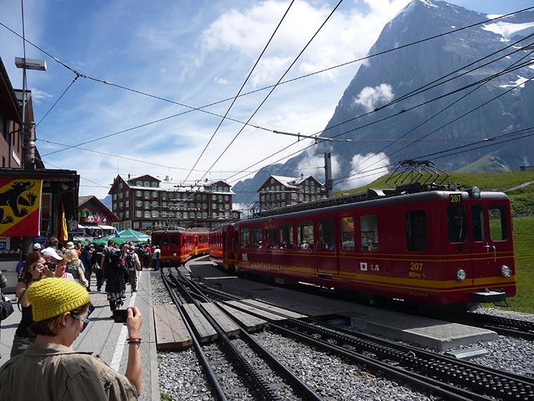 Pociągi w Kleine Scheidegg, Grindelwald