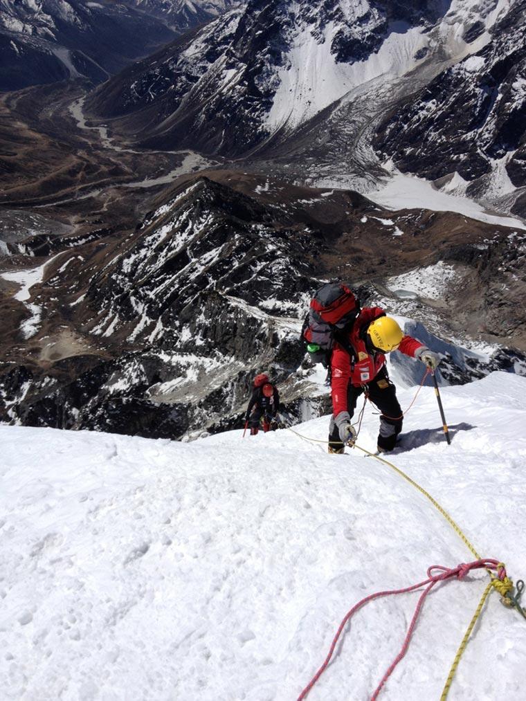 """Lobuche - zaraz szczyt, Pomysłodawca """"Everest 60 lat Expedition"""" zdobył szczyt aklimatyzacyjny"""